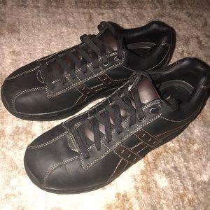 Men's size 11 shape up sneakers